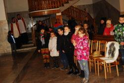 09.03.2018r. Droga krzyżowa w wykonaniu dzieci kl. III (17)